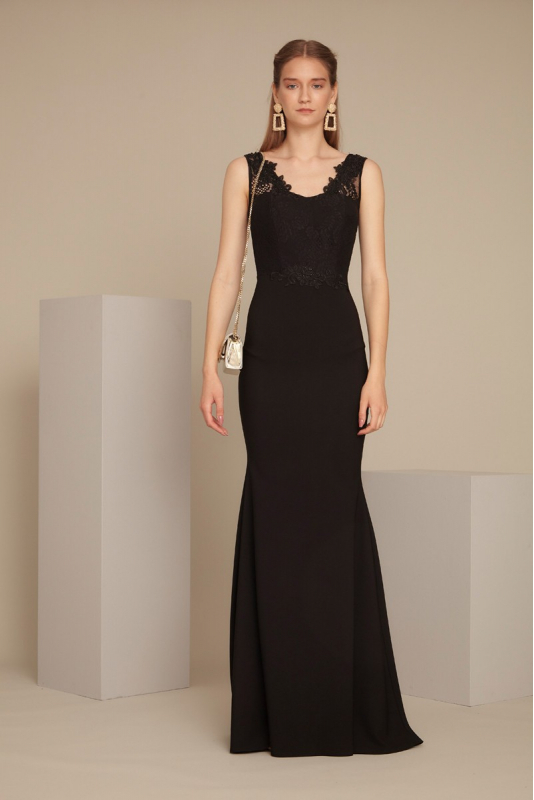 Black crepe maxi sleeveless dress