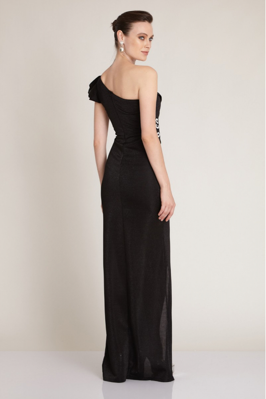 Black knitted maxi dress