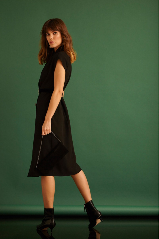 Black crepe sleeveless midi dress