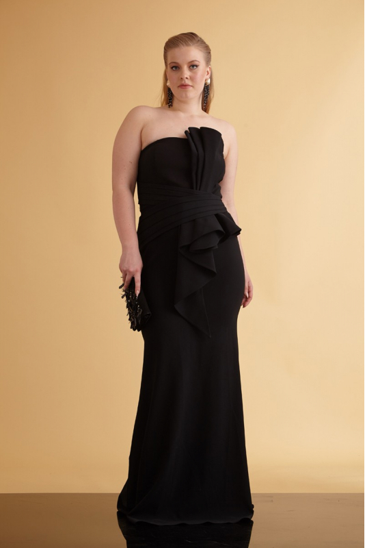 Wholesale Black plus size crepe strapless maxi dress - Fervente
