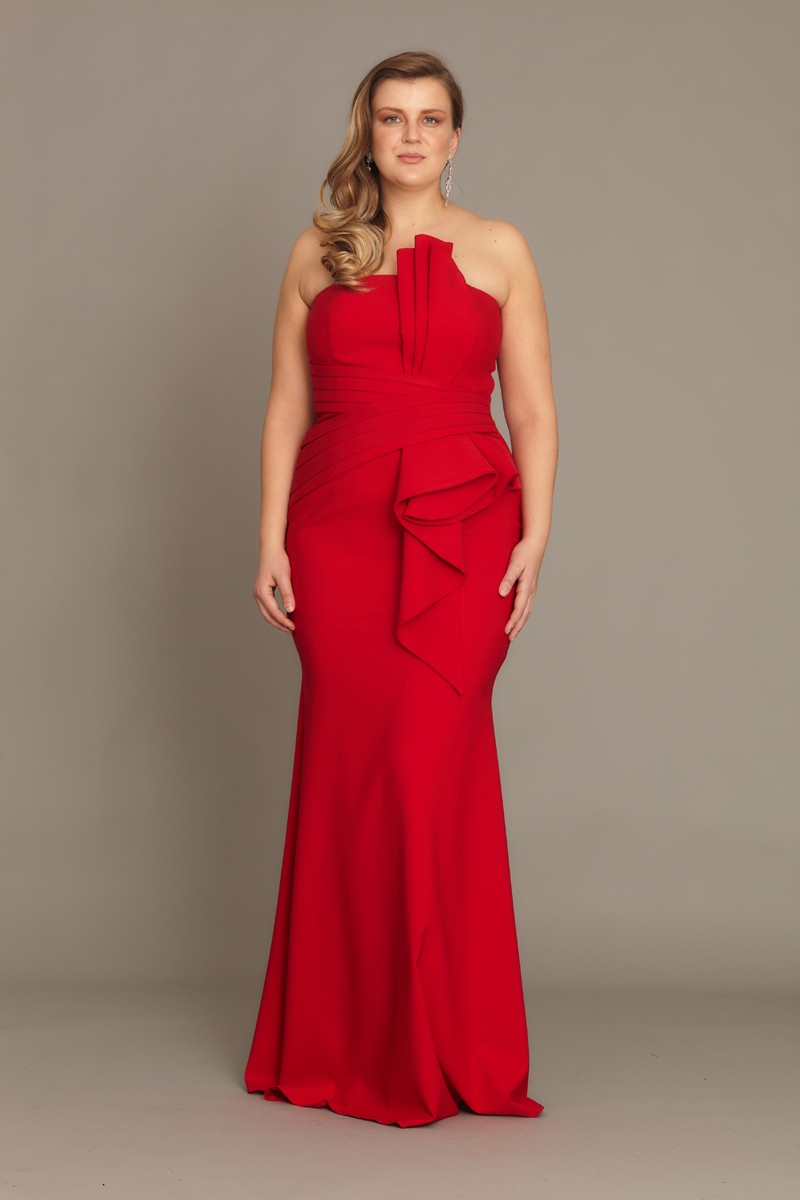 Red plus size crepe strapless maxi dress