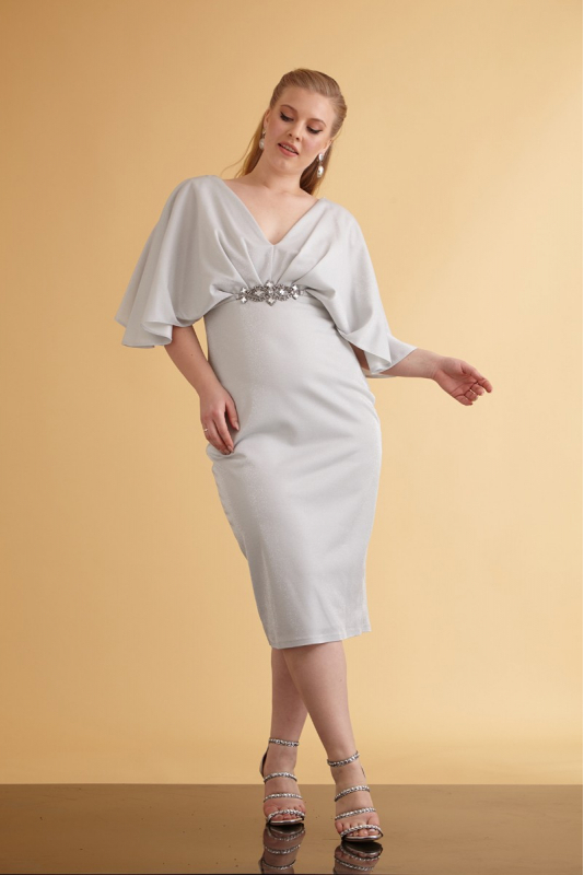White plus size knitted sleeveless maxi dress