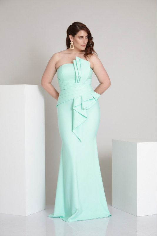 Wholesale Water green plus size crepe strapless maxi dress - Fervente